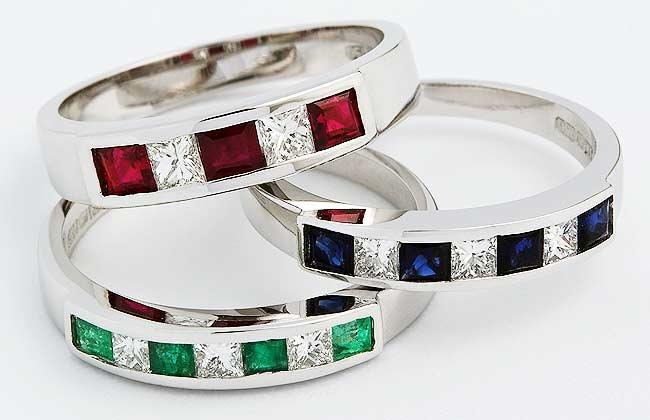 Coloured precious stones